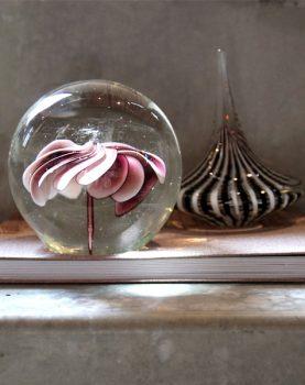 hk-living-sfeerfoto-glazen-ornament-draaiingen