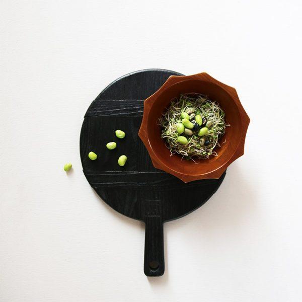 hkliving-sfeerfoto-ronde-broodplank-zwart-small-abr2212