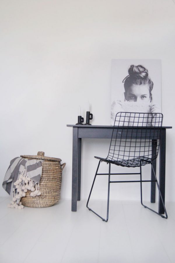 Silt 'n Pure kloostertafeltje - kleine tafel mat zwart hout-26641