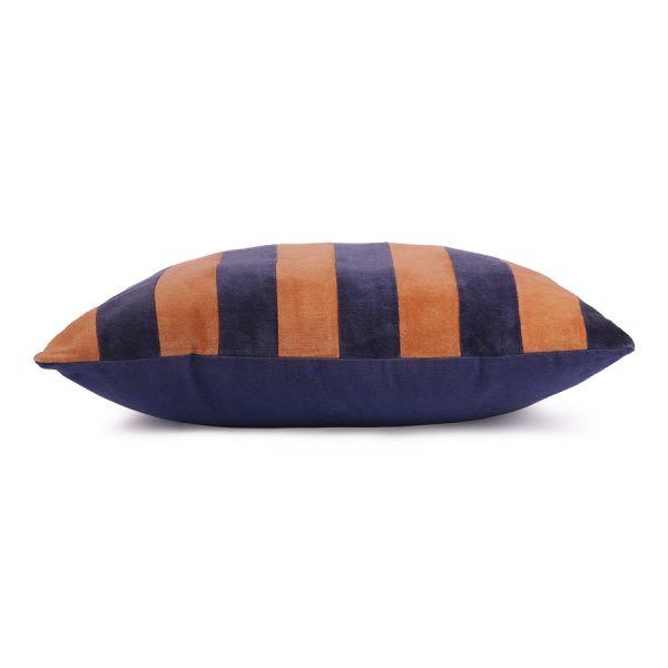 hkliving-kussen-gestreept-blauw-oranje_velvet_tku2075