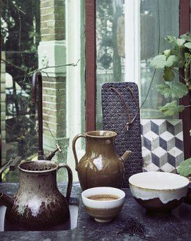 ceramic brown/white bowl