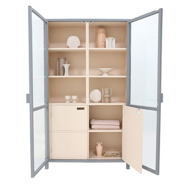 hkliving-vitrinekast-grijs-nude-hout-glazen-deuren-MKA1919